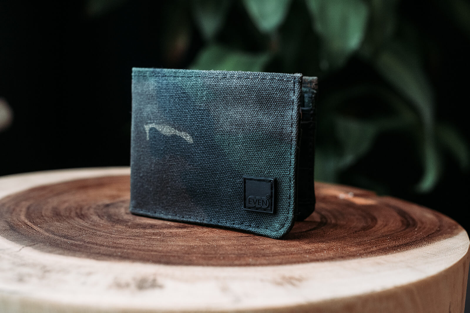 woodland camo waxed cans bi-fold wallet